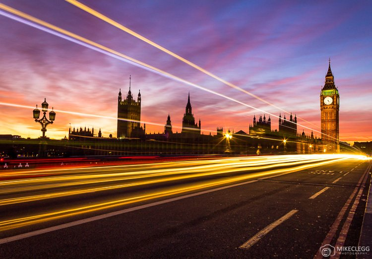 THe Best Ultimate Tips for Travel Photography Light trails in London