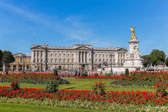 Buckingham Palace, Spring