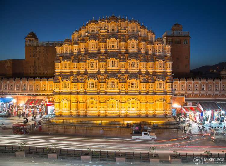 Hawa Mahal at night