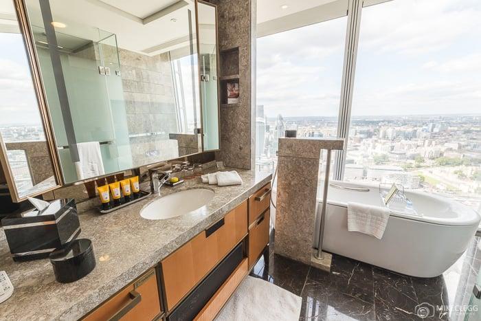 Bathroom in Deluxe City Room, Shard