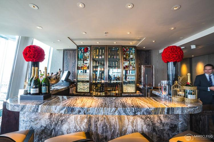 GŎNG bar at the Shangri-La