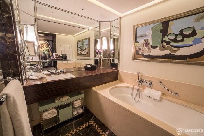 Bathroom in the Art Deco Room, Prince de Galles