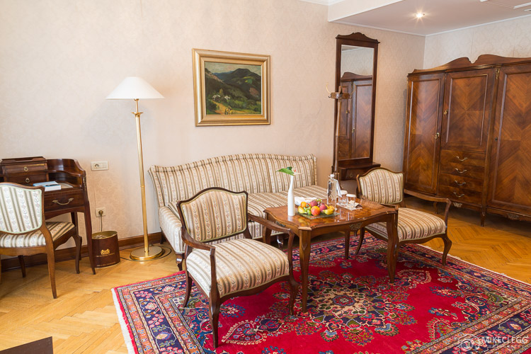 Seating area in rooms at Grand Hotel Toplice