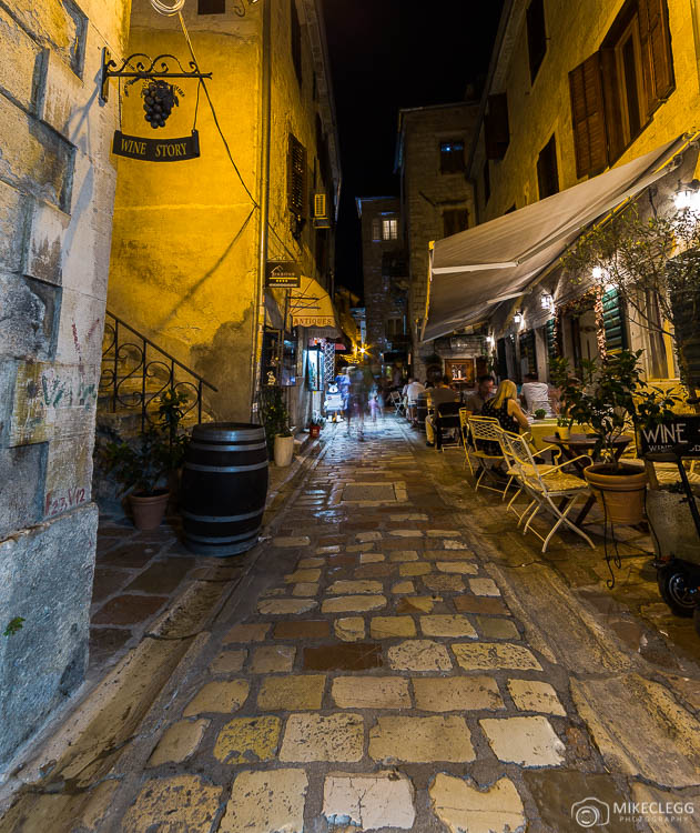 Streets and ambiance, Kotor at night