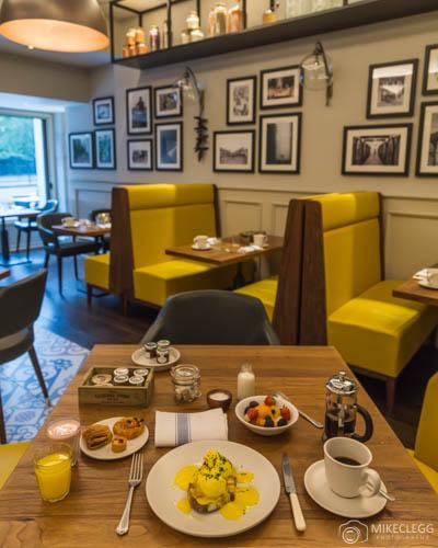 A la carte breakfast in Mercante