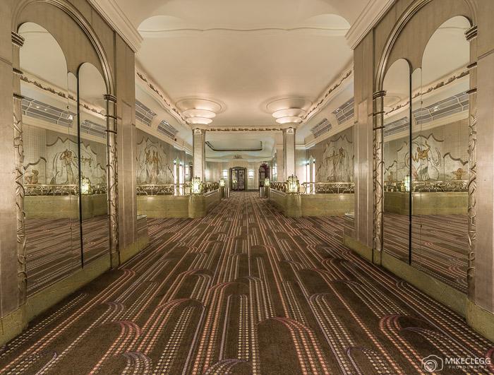 Sheraton Grand London Park Lane Hotel, Silver Gallery