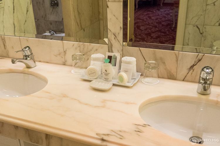 Bathroom sinks and BVLGARI toiletries