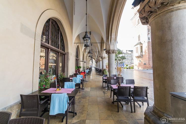 Restaurants along the Cloth Hall