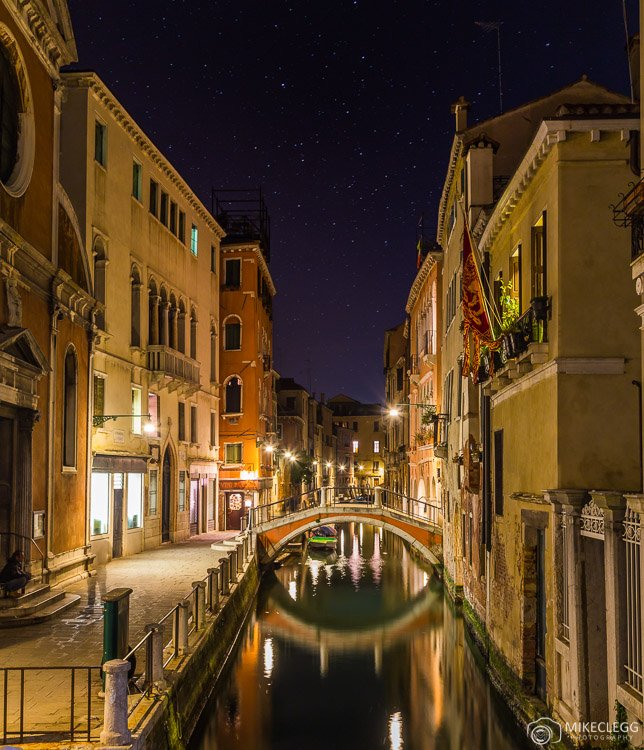 Night lights and architecture in Venice