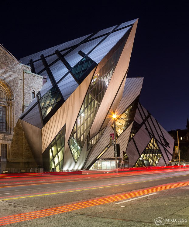Royal Ontario Museum at night