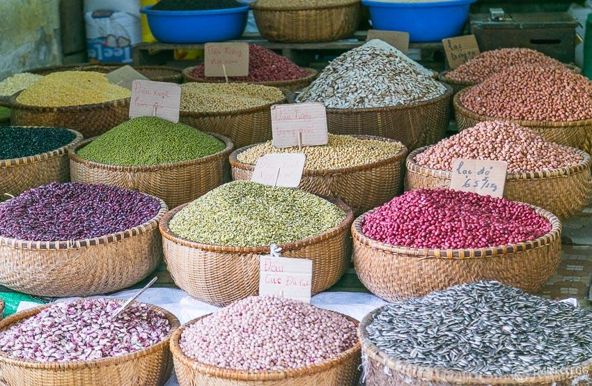 Stands d'épice à Hanoi