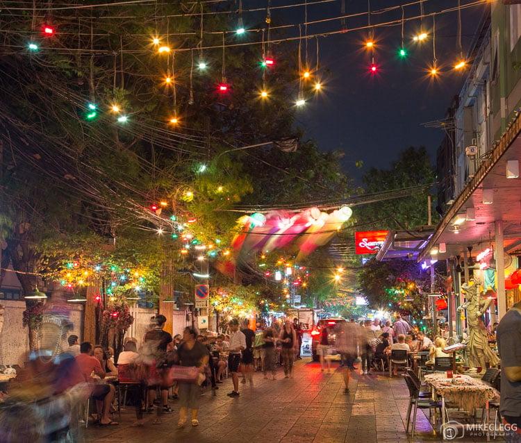 Bangkok - Soi Ram Butri at night