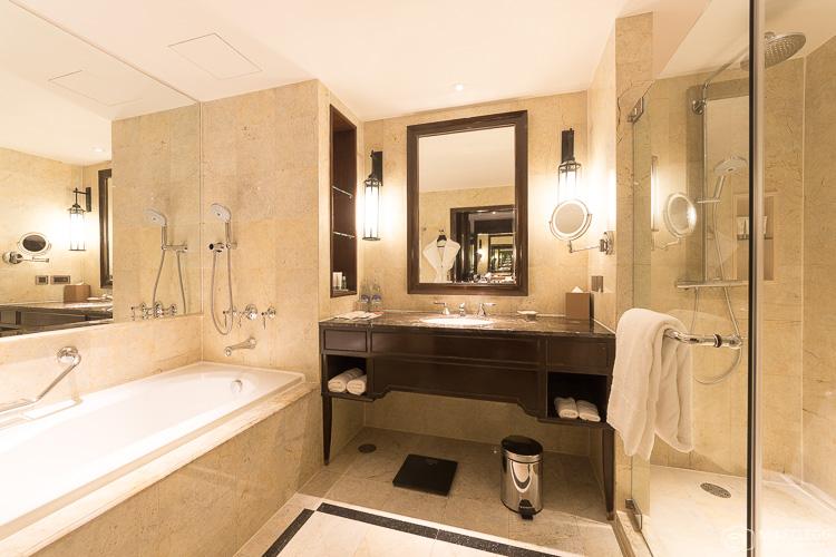 Bathroom at Royal Club Room at Plaza Athenee