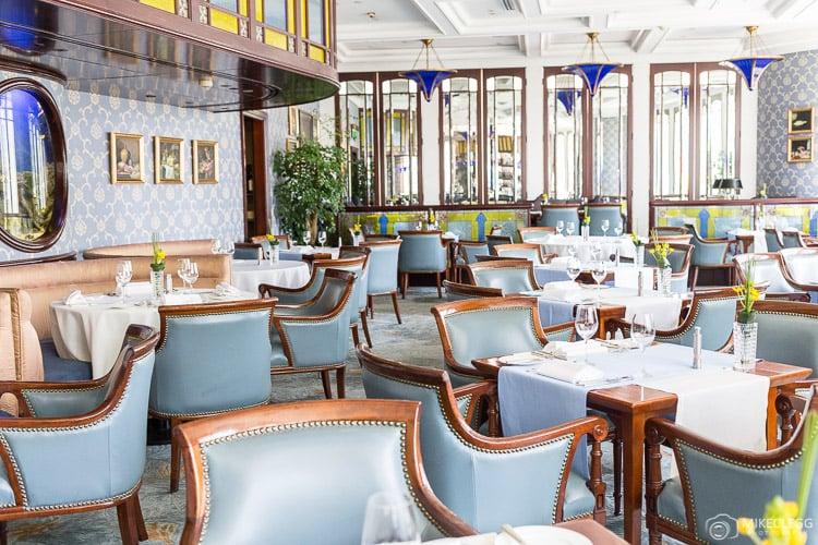 Lobster Bar and Grill at Island Shangri-La, Hong Kong