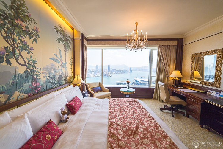 Suites at the Island Shangri-La Hong Kong