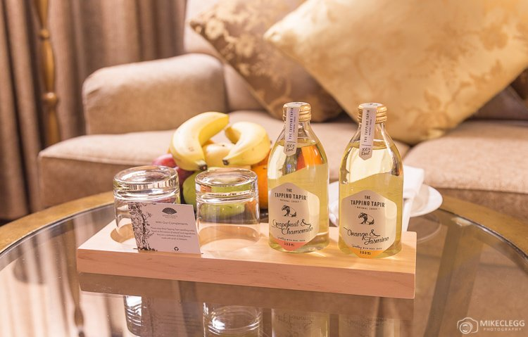 Mandarin Oriental - Club Deluxe - Welcome fruit and drinks