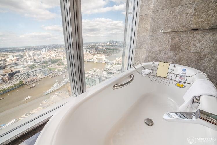 Bathtubs and views at Shangri-La at the Shard
