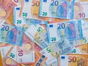 Banknotes and saving money