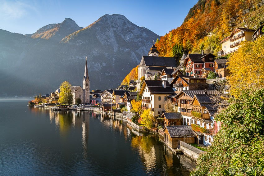 Hallstatt Lake, Austria in the autumn
