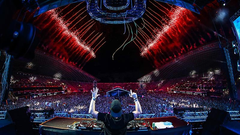 Hardwell at Ultra Europe, photo by RUDGR
