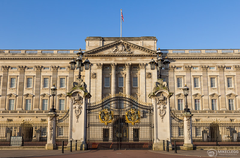 Buckingham Palace before the crowds