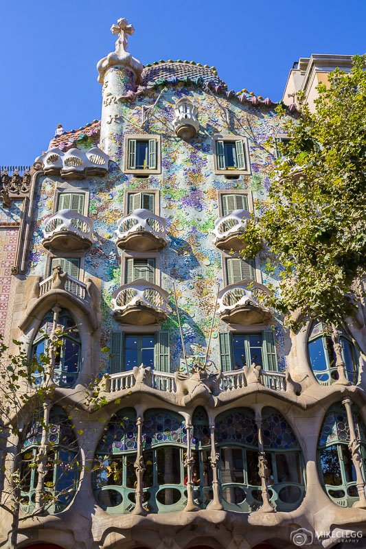 Casa Batlló передний фасад лучшие места в барселоне 15 лучших мест для Instagram и фотографии в Барселоне Casa Batllo CC 81 front facade