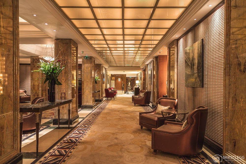 Luxury in london the westbury mayfair a luxury for Quartiere mayfair londra