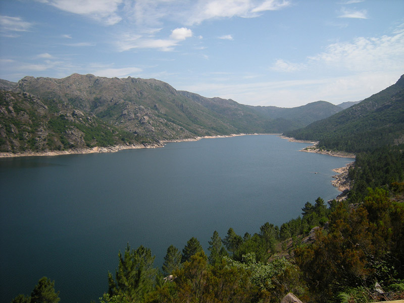 Lake of Vilarinho da Furna - image via Flickr - by José Antonio Gil Martínez - CC license
