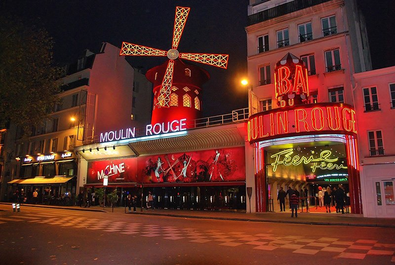 "Moulin Rouge ""width ="" 800 ""height ="" 536 ""loading ="" lazy ""src ="" https://www.travelanddestinations.com/wp-content/uploads/2018/04/Moulin-Rouge-CC0- Pixabay.jpg ""data - /> <img loading="