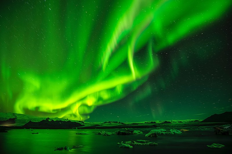 Northern Lights in Iceland - Photo by Paul Morris - CC0 (Unsplash)