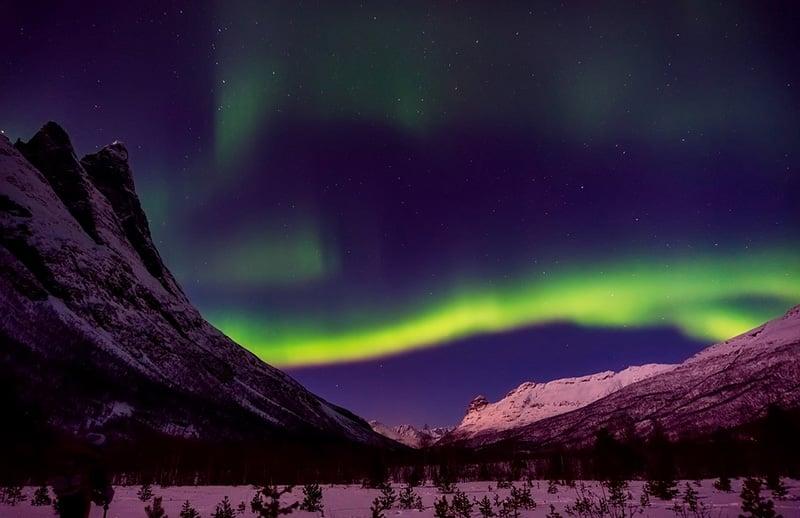 Северное сияние в Норвегии - CC0 (Pixabay) 15 главных природных чудес 15 главных природных чудес, которые стоит увидеть и посетить Northern Lights in Norway CC0 Pixabay