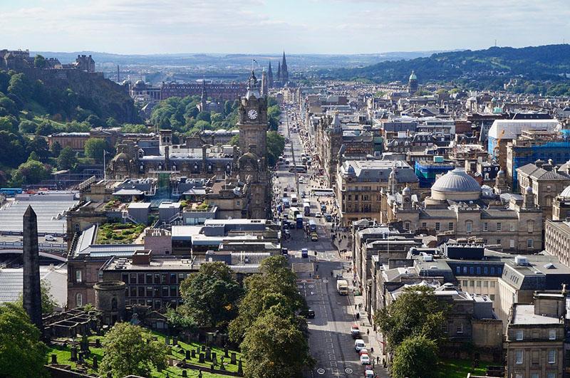 Princes Street, Edinburgh CC0 (Pixabay)