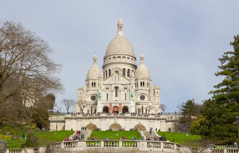 Sacré-Cœur during the day in Paris
