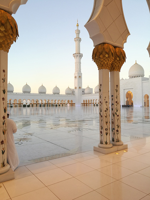 Sheikh Zayed Grand Mosque, Abu Dhabi - Day - Image by @tireless_traveler
