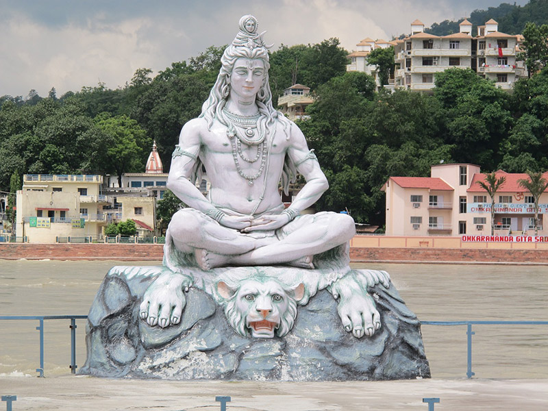 Statue of Shiva on the river Ganges in Rishikesh - CC0 (Pixabay)