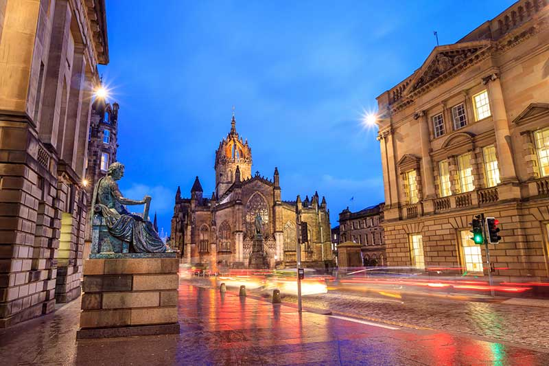 The Royal Mile, Edinburgh - At night
