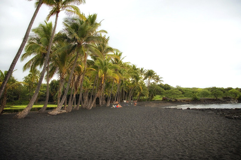 Big Island Hawaii - Black Sand - CC0 (Pixabay)