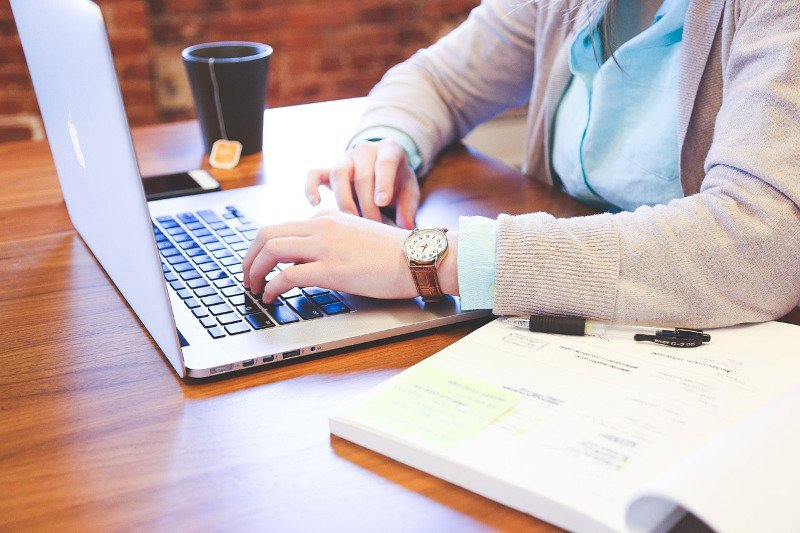 Blogging Online - CC0 (Pixabay)