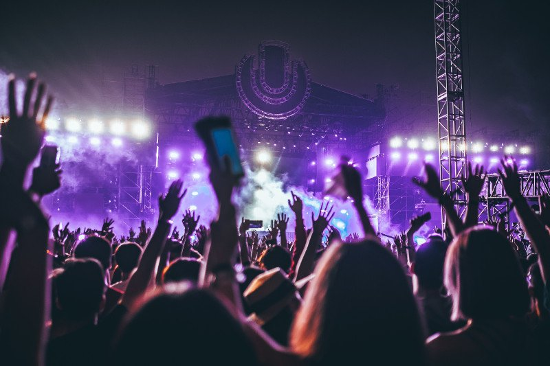 Festivals - Photo by Hanny Naibaho on Unsplash - CC0