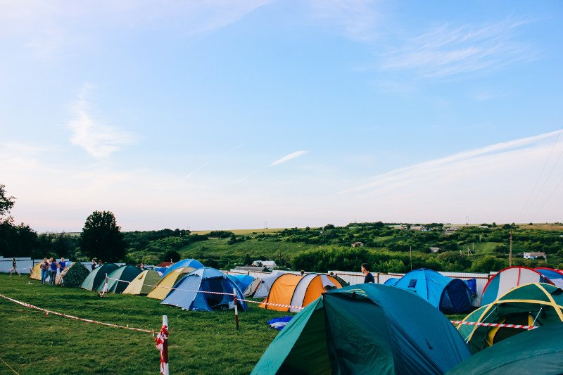 Tents at festivals - Photo by Angelika Levshakova on Unsplash - CC0