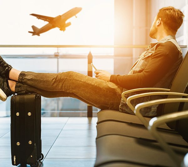 Airport and hand luggage - cco (pixabay)