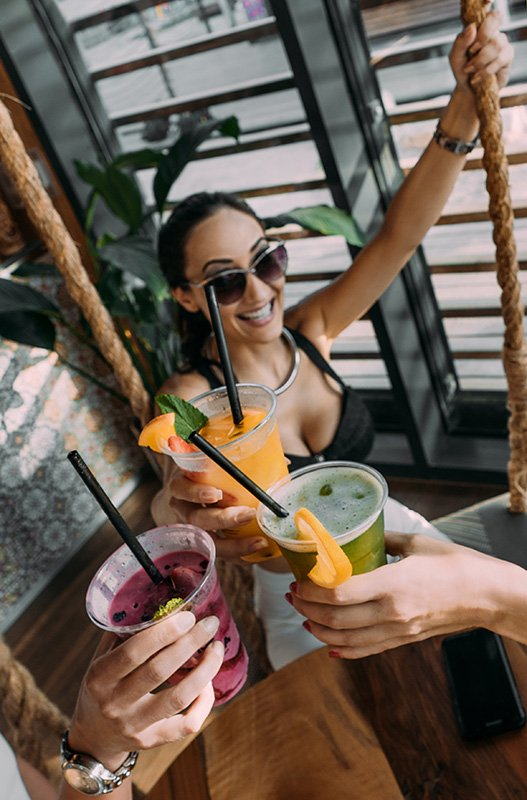 Bachelorette trip and drinks | Photo by Maid Milinkic on Unsplash