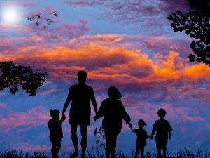 Family Backpacking - CC0 (Pixabay)