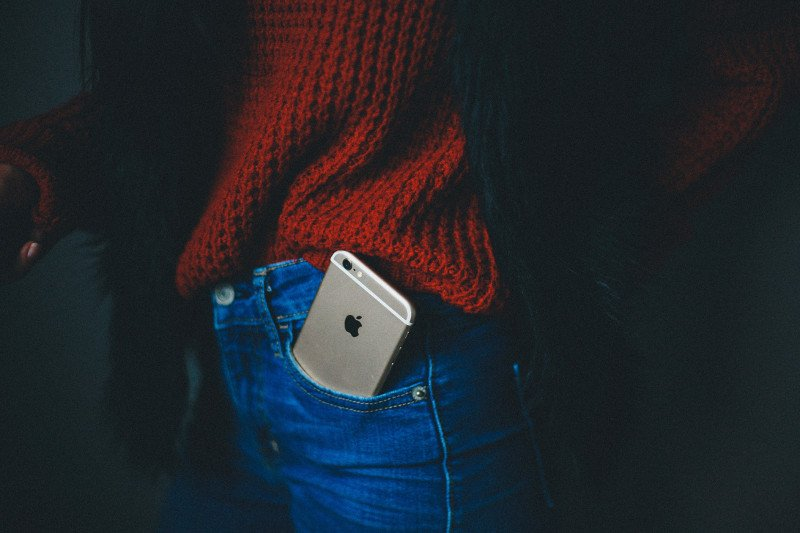 Smartphone in backpocket - mikaela-shannon- via-unsplash