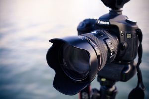 SLR Camera and photography - CC0 - alexander-wang-217719-unsplash