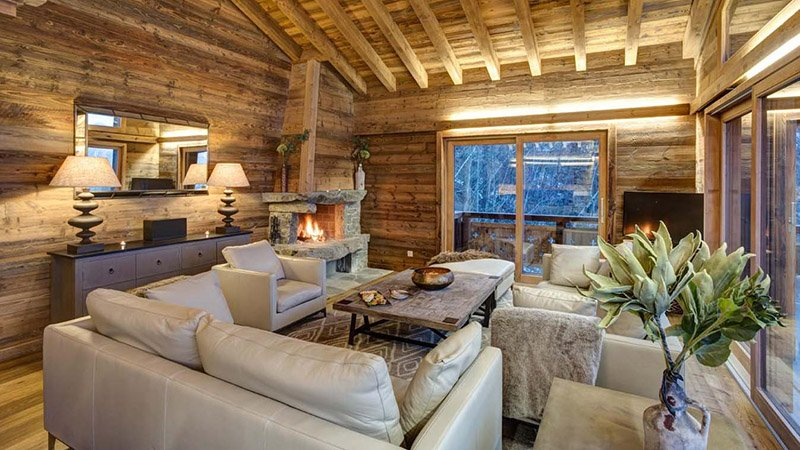 Красивые шезлонги в шале с обслуживанием - Шале Альтаир в Нендасе, Швейцария © Skiworld ~ размещения на лыжах Различные типы размещения на лыжах (плюс, плюсы и минусы) Beautiful lounges in catered Chalets Chalet Altair in Nendaz Switzerland  C2 A9Skiworld