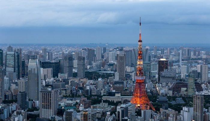 Tokyo Skyline - By Riccardo Chiarini-CC0-383136-unsplash