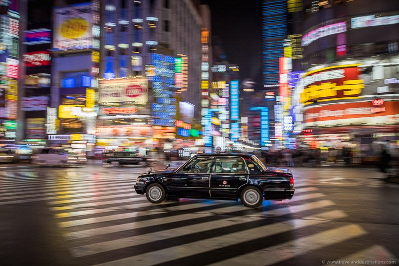 Nights in Tokyo - Taxi and billboards