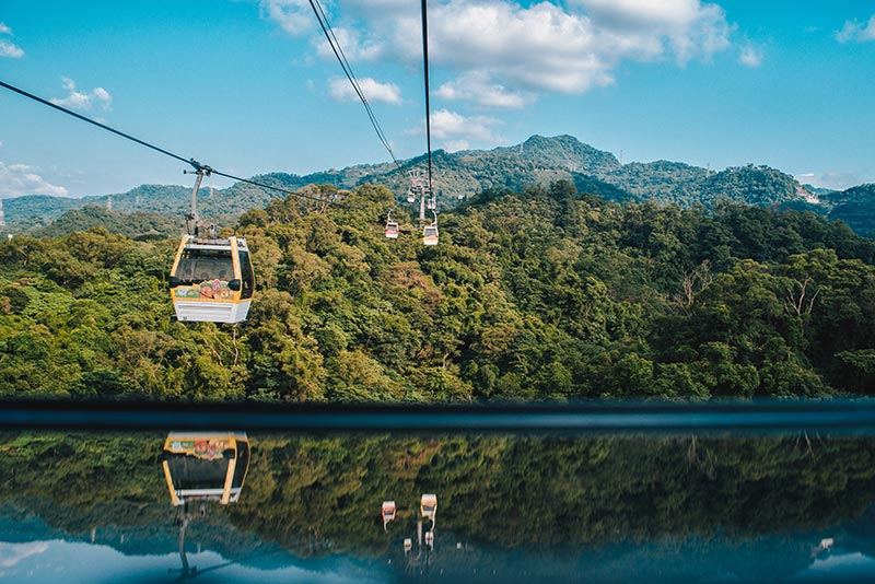 Maokong Gondola by Andrew Haimerl - via Unsplash