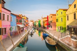 xBeautiful places in Italy - Burano